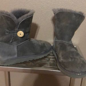 Size 5 Gray UGGS
